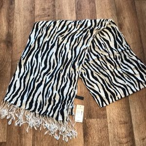 Lame Bryant scarf